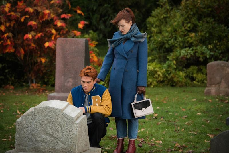 """The """"Riverdale"""" Thanksgiving Brought All the Feels — and an Exploding Turkey"""