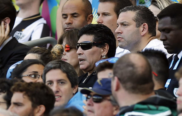 Maradona angry at officials in Brazil-Colombia game