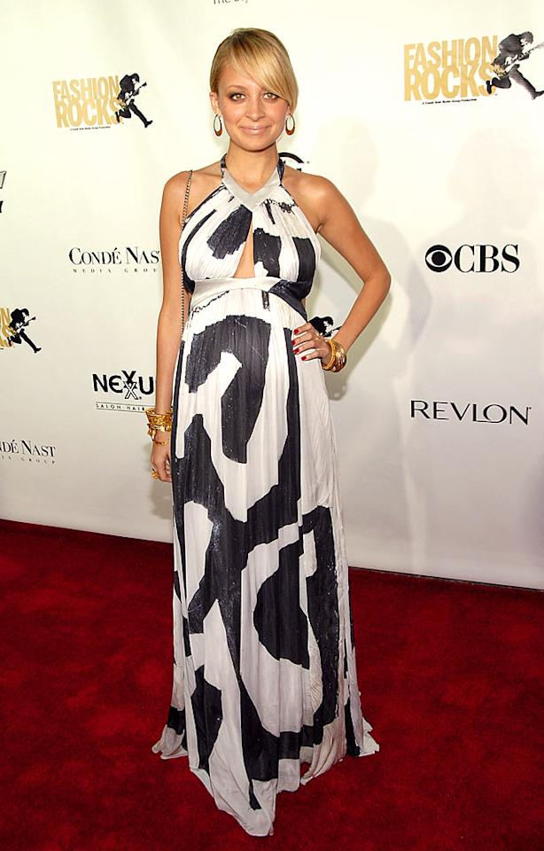 "Nicole Richie's bold print draws attention away from her baby bump. Kevin Mazur/<a href=""http://www.wireimage.com"" target=""new"">WireImage.com</a> - September 6, 2007"