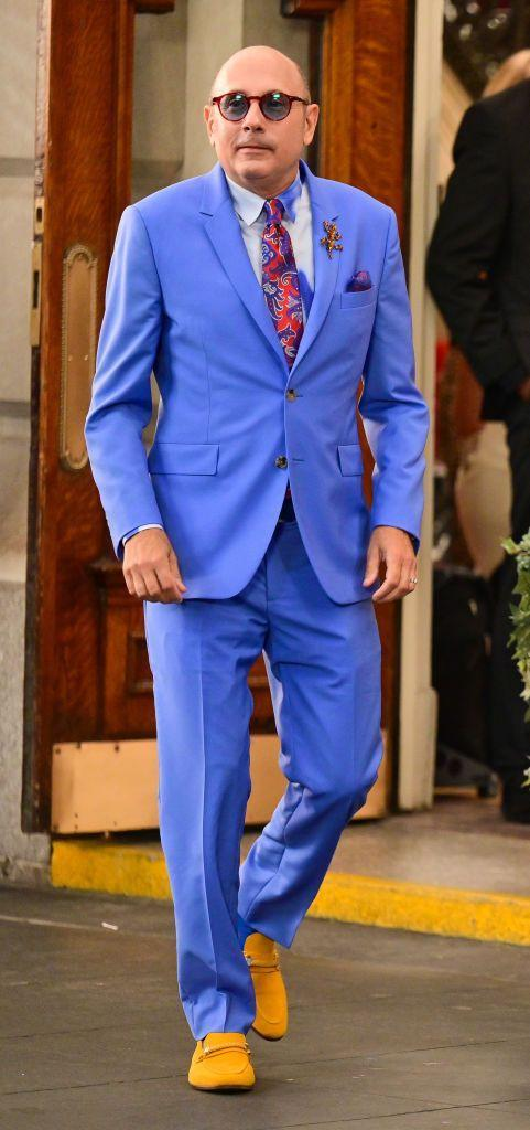 <p>Carrie Bradshaw's BFF, Stanford Blatch, played by Willie Garson, entered the premises in a royal blue Paul Smith notch-lapel suit. </p>