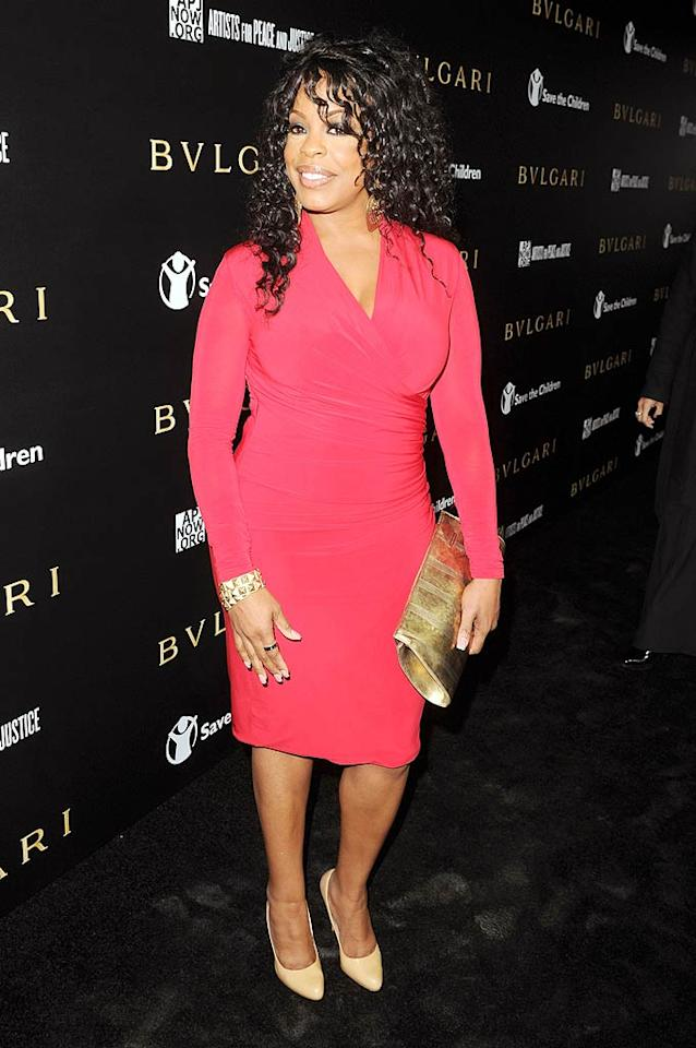 """Former """"Clean House"""" hostess/""""Dancing With the Stars"""" contestant Niecy Nash cleaned up nicely for the event in a form-fitting pink frock and gold accessories. Jason Merritt/<a href=""""http://www.gettyimages.com/"""" target=""""new"""">GettyImages.com</a> - January 13, 2011"""