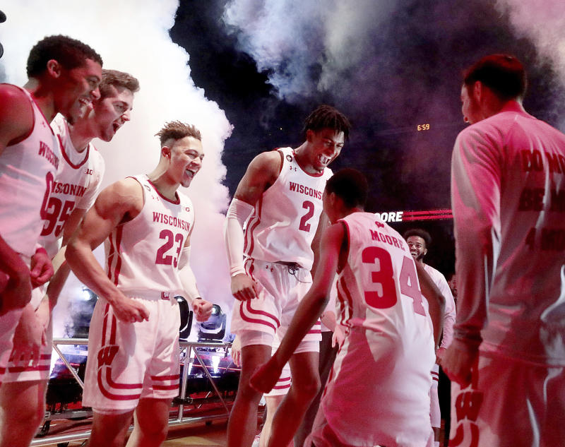 Wisconsin defeats Eastern Illinois, honors Moore family