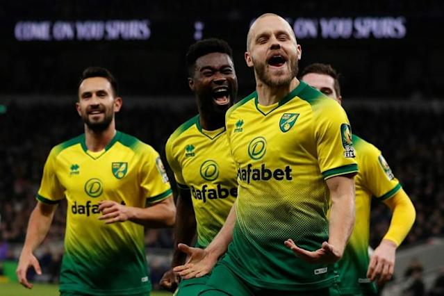 Pukki penalty: Teemu Pukki (2nd right) celebrates his equaliser for Norwich (AFP Photo/Adrian DENNIS)