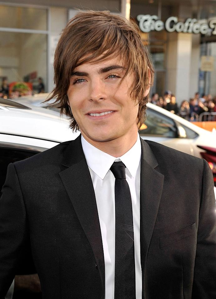 "<a href=""http://movies.yahoo.com/movie/contributor/1808543881"">Zac Efron</a> at the Los Angeles premiere of <a href=""http://movies.yahoo.com/movie/1810038675/info"">17 Again</a> - 04/14/2009"