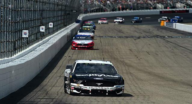 Aric Almirola emerged from an eventful Stage 2 Sunday at New Hampshire Motor Speedway to land his first stage win of the Monster Energy Series season. Almirola took the lead by staying out during a late-stage cycle of pit stops, then kept his Stewart-Haas Racing No. 10 Ford out front for the final 10 laps. […]