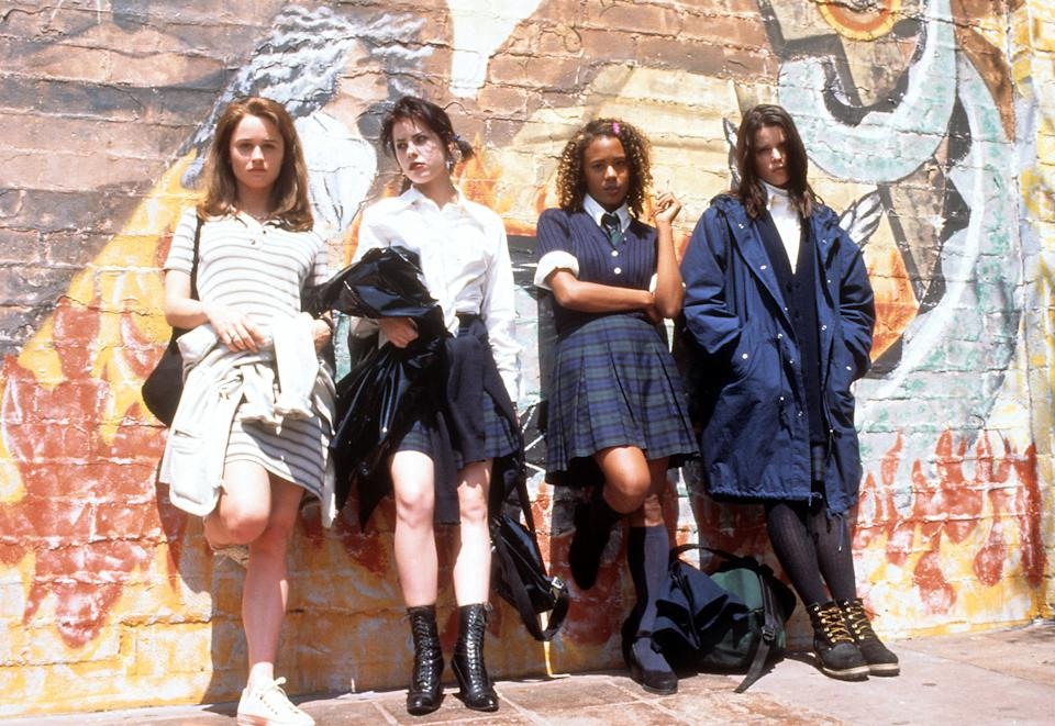 Robin Tunney, Fairuza Balk, Rachel True and Neve Campbell in a scene from the film 'The Craft', 1996. (Photo by Columbia Pictures/Getty Images)