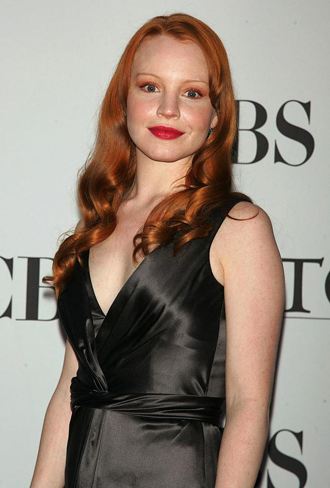 "Lauren Ambrose's copper curls are lovely, but the matching eyeshadow is a bit too much. Jim Spellman/<a href=""http://www.wireimage.com"" target=""new"">WireImage.com</a> - June 11, 2006"