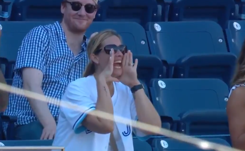 Alek Manoah posted an electrifying Blue Jays debut on Thursday, but his mom's emotional and animated display in the Yankees Stadium bleachers stole the show. (Twitter/Sportsnet)