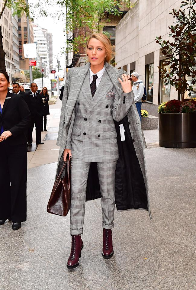 <p>Lively literally borrowed from the boys, wearing a three-piece suit from Ralph Lauren's menswear collection. (Photo: Getty Images) </p>