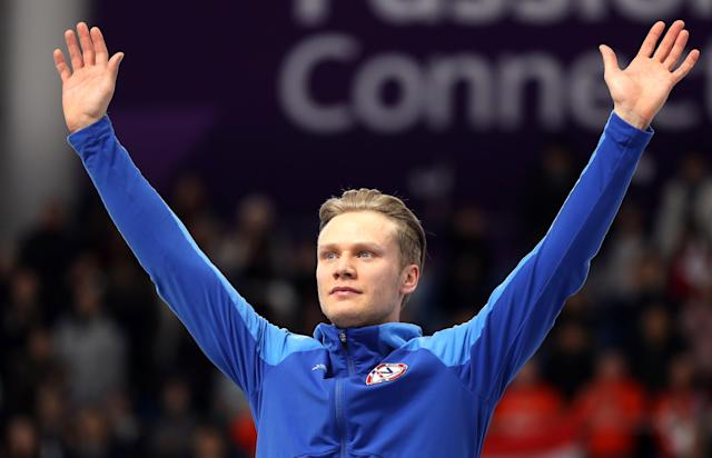 Speed Skating - Pyeongchang 2018 Winter Olympics - Men's 1000m competition finals - Gangneung Oval - Gangneung, South Korea - February 23, 2018 - Silver medalist Havard Lorentzen of Norway celebrates during the victory ceremony. REUTERS/Lucy Nicholson
