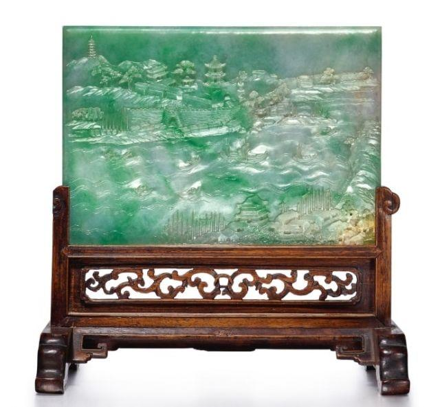 "A rare apple-green jadeite ""Landscape"" table screen of the Qing dynasty from the Quianlong period"
