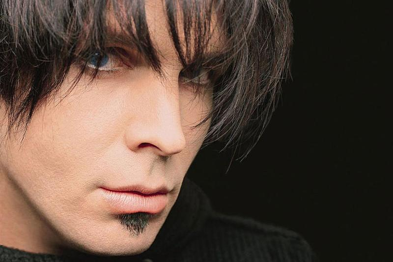 Garth Brooks as Chris Gaines in 1999. (Photo: Capitol Records)