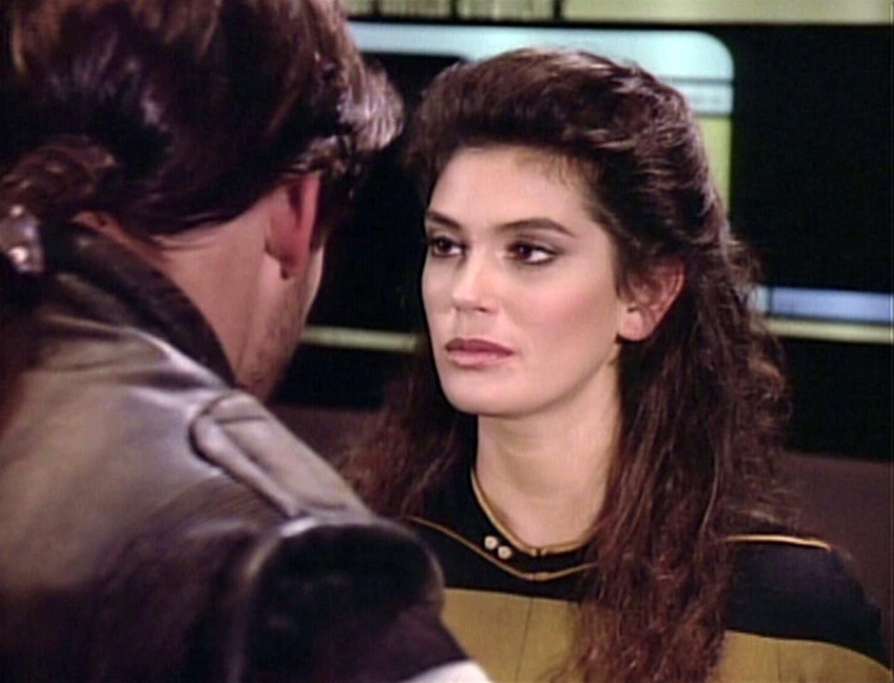 "<p>She may not have received an onscreen credit, but Hatcher's appearance on a 1988 episode of <em>TNG</em> is real… and it's spectacular. The future <em>Lois & Clark</em> star played transporter chief, B.G. Robinson, who beamed Bill ""The Rocketeer"" Campbell's space rogue, Thadiun Okona, aboard Picard's Enterprise and — it's heavily implied — had a private meeting with him in her quarters later on.<br /><br />(Photo: Getty Images/CBS) </p>"