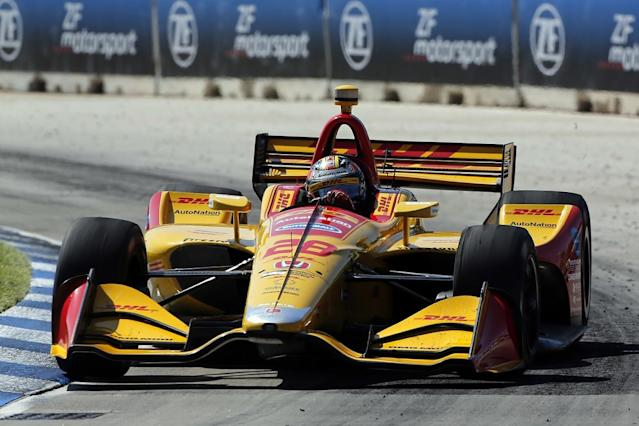 Hunter-Reay breaks winless run with late pass
