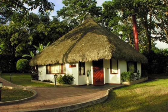 The Royal Palm Resort, Ecuador - Guests have the option of choosing from 10 Villas and four Veranda Studios with spacious double bedrooms, a Jacuzzi and a lovely tropical garden. The service is efficient with a staff-to-guest ratio of 12 to 1 per couple.