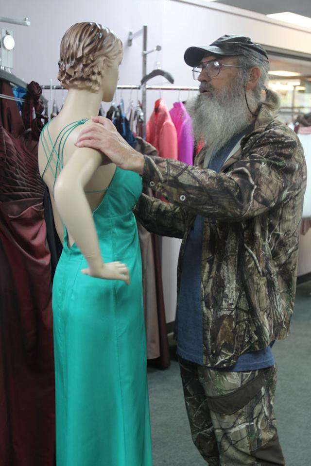 "Si Robertson in the ""Duck Dynasty"" Season 3 episode, ""Duck Be a Lady."""
