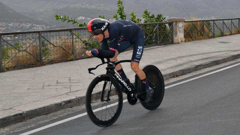 Geraint Thomas falls out of Giro d'Italia contention on stage three