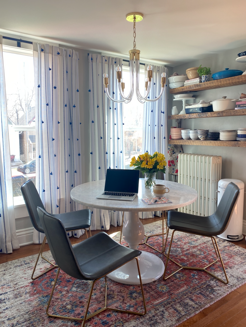 Even a small dining nook can serve as an office in a pinch. (Photo: Havenly)