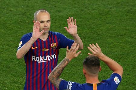 Soccer Football - La Liga Santander - FC Barcelona vs Real Sociedad - Camp Nou, Barcelona, Spain - May 20, 2018 Barcelona's Paco Alcacer comes on as a substitute to replace Barcelona's Andres Iniesta REUTERS/Albert Gea