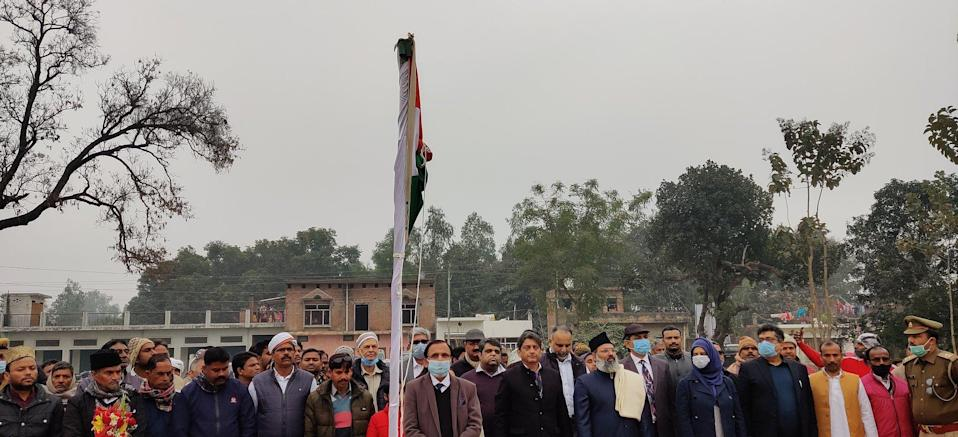 The national flag was hoisted at 8.45am by theChief Trustee of IICF, Mr Zufar Ahmad Farooqi.