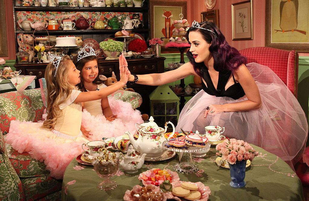"<p class=""MsoNormal""><span>Ellen DeGeneres' pint-size sidekicks, YouTube stars Sophia Grace and Rosie, have kicked off the new season of ""The Ellen DeGeneres Show"" with plenty of big celebrity encounters this week. In addition to Reese Witherspoon and Justin Bieber, the British cousins also got to have a tea party with pop star Katy Perry, who got into the spirit with a tiara and tutu. (9/12/2012)</span></p>"