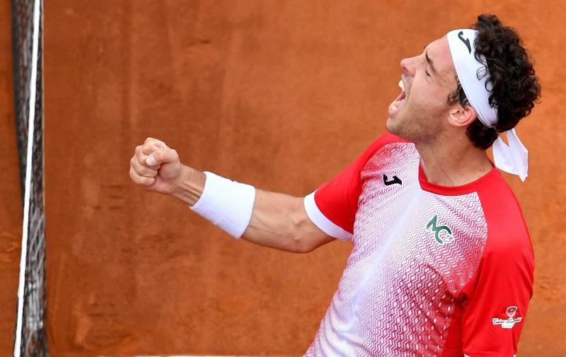 A year after semifinal run, Cecchinato loses in 1st round