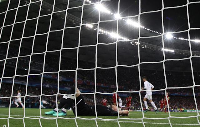 Soccer Football - Champions League Final - Real Madrid v Liverpool - NSC Olympic Stadium, Kiev, Ukraine - May 26, 2018 Liverpool's Loris Karius looks dejected after conceding their third goal REUTERS/Hannah McKay