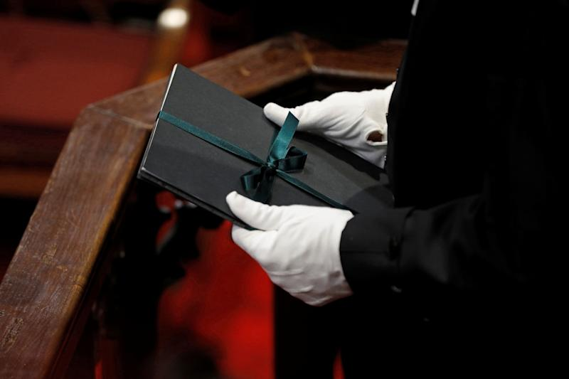 Speaker of the House of Commons Liberal Ontario MP Anthony Rota holds a copy of the throne speech in the Senate in Ottawa on Dec. 5, 2019. (Photo: Blair Gable / reuters)