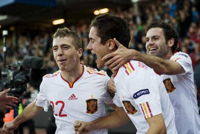 Spanish players celebrate with teammate Ander Herrera (C) after he scored during the UEFA Under-21 European Championship final match Spain vs Switzerland at the Aarhus Stadium, on June 25, 2011. AFP PHOTO/JONATHAN NACKSTRAND (Photo credit should read JONATHAN NACKSTRAND/AFP/Getty Images)