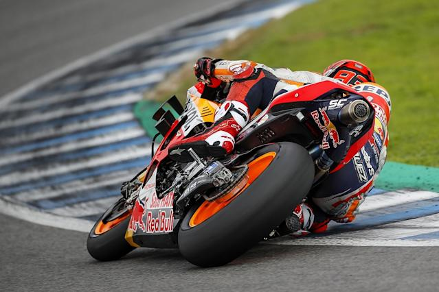 Rain brings running to early end, Marquez fastest