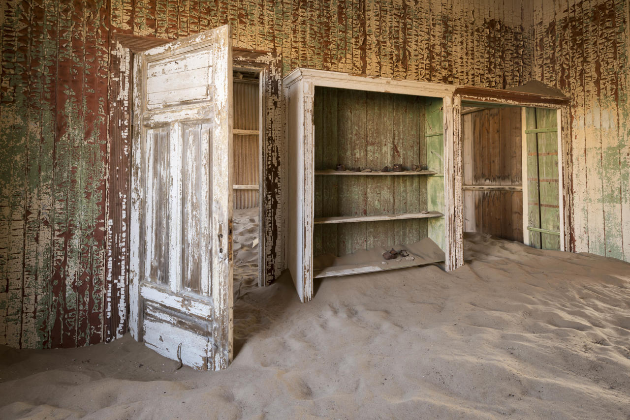 <p>Inside one of the structures at what used to be a diamond mine in Namibia. (Photo: David Swindler/Caters News) </p>