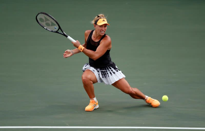 Former champion Kerber suffers back injury ahead of Australian Open