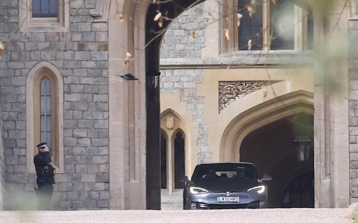 & # Xa0; Prince Charles (passenger seat) was expelled from Windsor Castle after spending about an hour at Windsor Castle after Prince Phillip's death.  -Jamie Loriman & # xa0;
