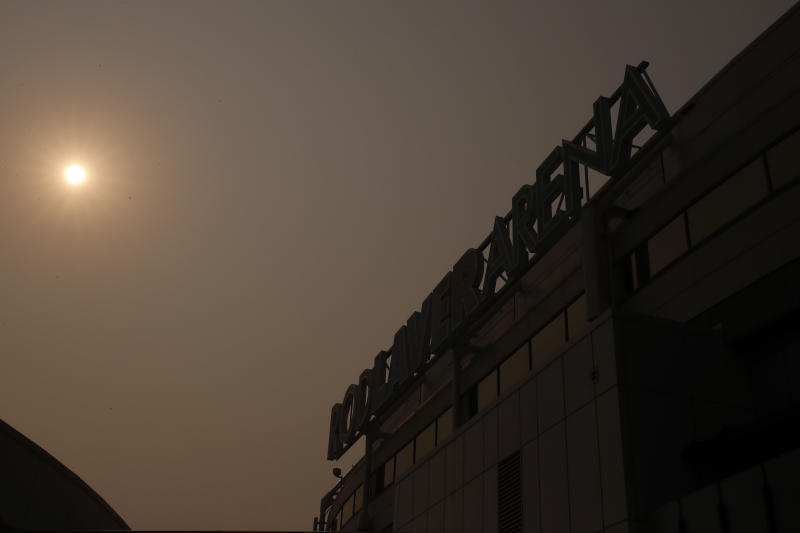 Rod Laver arena blanketed in this bushfire smoke.