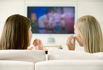 "<div class=""caption-credit""> Photo by: Thinkstock</div><div class=""caption-title""></div><b>FAT HABIT #8: Watching too much TV</b> <br> A University of Vermont study found that overweight participants who reduced their TV time by just 50 percent burned an additional 119 calories a day on average. That's an automatic 12-pound annual loss! Maximize those results by multitasking while you watch-even light household tasks will further bump up your caloric burn. Plus, if your hands are occupied with dishes or laundry, you'll be less likely to mindlessly snack-the other main occupational hazard associated with tube time.<b><br></b> <p>   <b>The  <a rel=""nofollow"" href=""http://wp.me/p1rIBL-14v"">Top Office Health Tips</a></b> </p> <br>"
