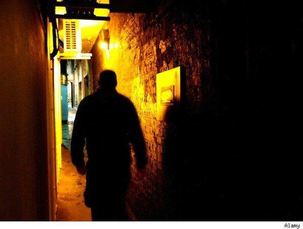 Unsafe cities: walking alone at night