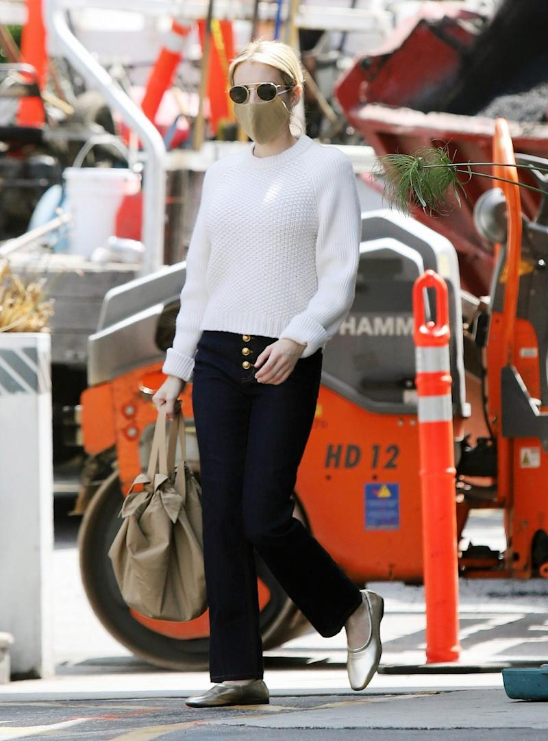 Emma Roberts S First Maternity Outfit Involves Under 200 Tory Burch Jeans