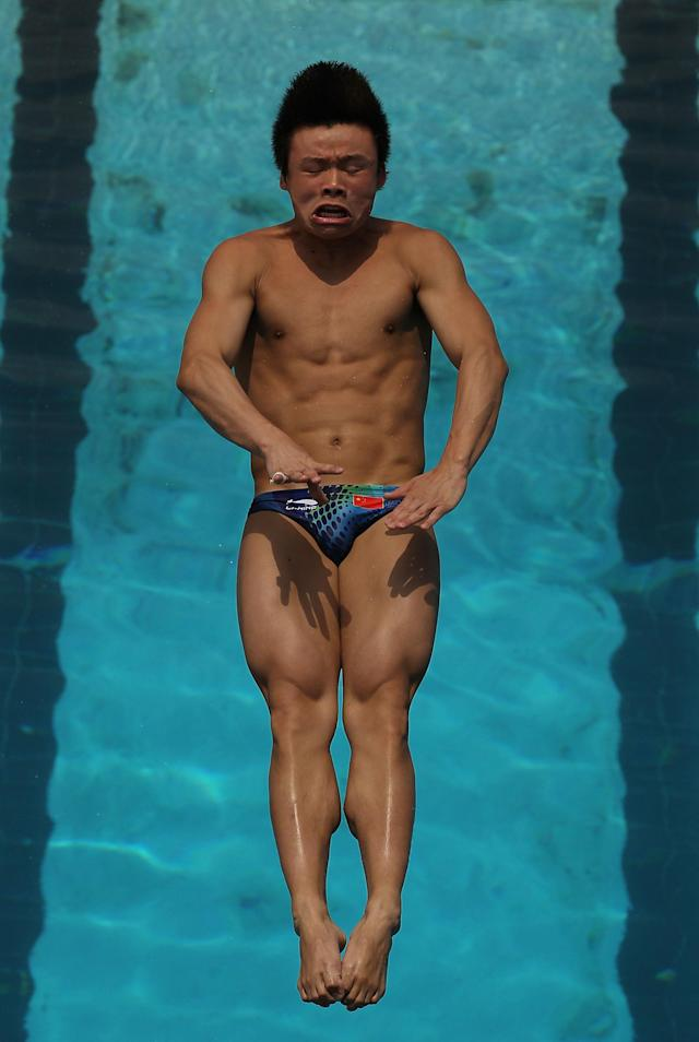 FORT LAUDERDALE, FL - MAY 06: He Min of China dives during 3 meter springboard preliminaries at the Fort Lauderdale Aquatic Center during Day 1 of the AT&T USA Diving Grand Prix on May 6, 2010 in Fort Lauderdale, Florida. (Photo by Al Bello/Getty Images)
