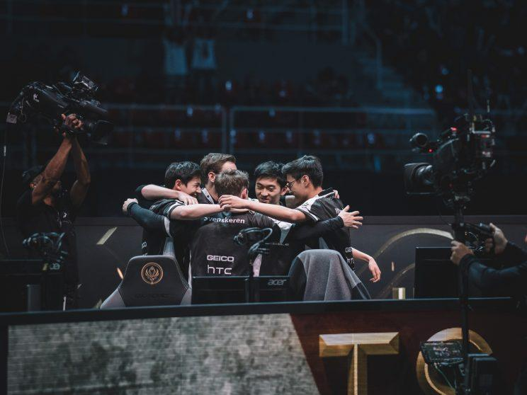 Team SoloMid huddle at MSI (lolesports)