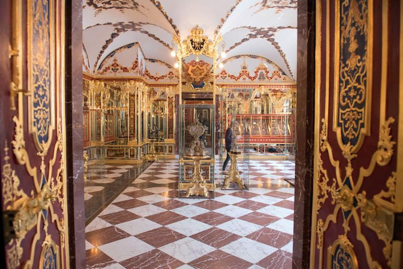 Picture taken on April 9, 2019 shows the Jewel Room (Juwelenzimmer), one of the rooms in the historic Green Vault (Gruenes Gewoelbe) at the Royal Palace in Dresden, eastern Germany. - A state museum in Dresden containing billions of euros worth of baroque treasures has been robbed, police in Germany confirmed on November 25, 2019. The Green Vault at Dresden's Royal Palace, which is home to around 4000 precious objects made of ivory, gold, silver and jewels, was reportedly broken into at 5am on early morning. (Photo by Sebastian Kahnert / dpa / AFP) / Germany OUT (Photo by SEBASTIAN KAHNERT/dpa/AFP via Getty Images)