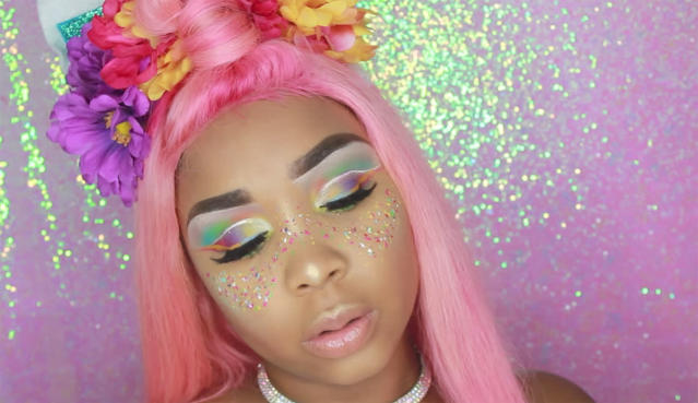 "<p>Veronica Rose uses every inch of her face in support of the LGBTQ. The <a href=""https://www.instagram.com/p/BVIdlRvgjCK/?taken-by=vivalapinkposh"" rel=""nofollow noopener"" target=""_blank"" data-ylk=""slk:photo on her Instagram"" class=""link rapid-noclick-resp"">photo on her Instagram</a> reads, ""Even tho I'm straighter than a stick, I appreciate everyone and their differences."" (Photo: <a href=""https://www.youtube.com/watch?v=iFXwIXw5SEs"" rel=""nofollow noopener"" target=""_blank"" data-ylk=""slk:Vivalapinkposh/YouTube"" class=""link rapid-noclick-resp"">Vivalapinkposh/YouTube</a>) </p>"
