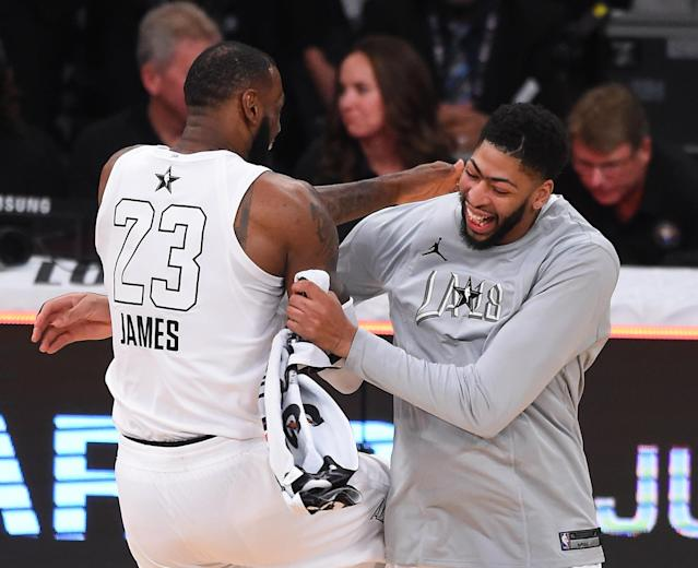"""<a class=""""link rapid-noclick-resp"""" href=""""/nba/players/5007/"""" data-ylk=""""slk:Anthony Davis"""">Anthony Davis</a> was probably one of <a class=""""link rapid-noclick-resp"""" href=""""/nba/players/3704/"""" data-ylk=""""slk:LeBron James"""">LeBron James</a>' first picks in the 2018 NBA All-Star draft. (Getty Images)"""