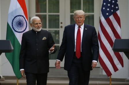 Trump urges India and Pakistan to reduce tensions in call with leaders