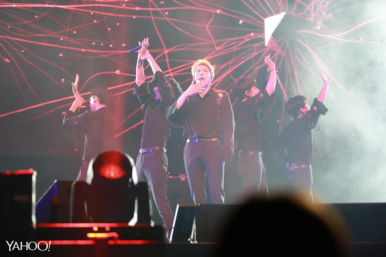 <p>The 6-member group charmed fans at Zepp @ Bigbox on Saturday (2 December), with hits such as Error, Love Me Do, Hot Enough and Blackout. (Photo: Yahoo Lifestyle Singapore)</p>