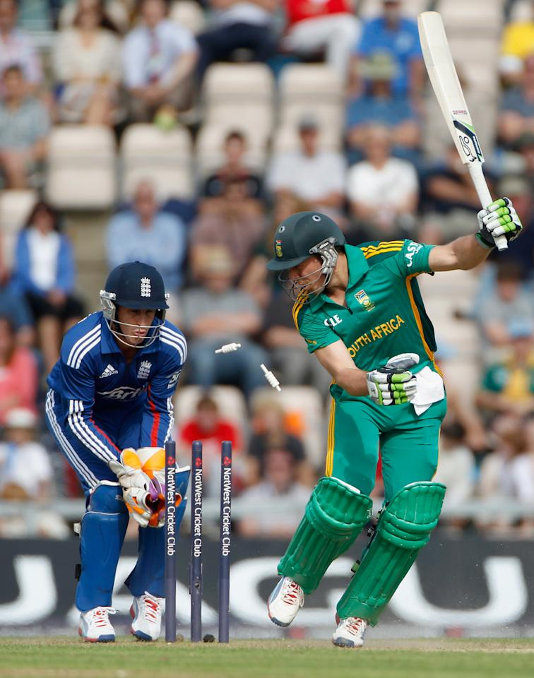 SOUTHAMPTON, ENGLAND - AUGUST 28:  AB DeVilliers of South Africa is bowled out during the 2nd NatWest Series ODI between England and South Africa at Ageas Bowl on August 28, 2012 in Southampton, England.  (Photo by Tom Shaw/Getty Images)
