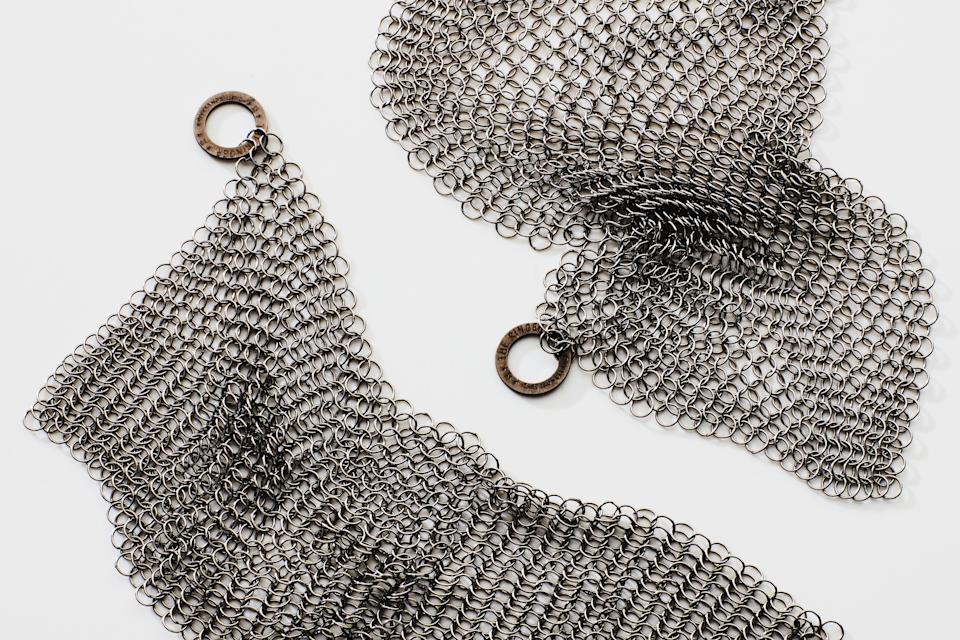 """<h1 class=""""title"""">Cleaning Tools Cast Iron Chain Mail</h1><cite class=""""credit"""">Photo by Chelsea Kyle</cite>"""