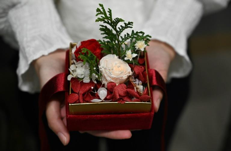 More than 50 relatives and friends have received gifts ordered by prisoners and prepared by Elise Ip under her free 'Send Flowers With You' project