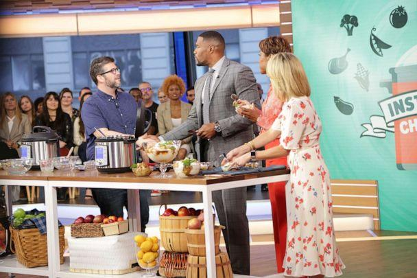 PHOTO: Jeffrey Eisner made his Instant Pot recipe for apple crumble cobbler on 'GMA.' (ABC News)
