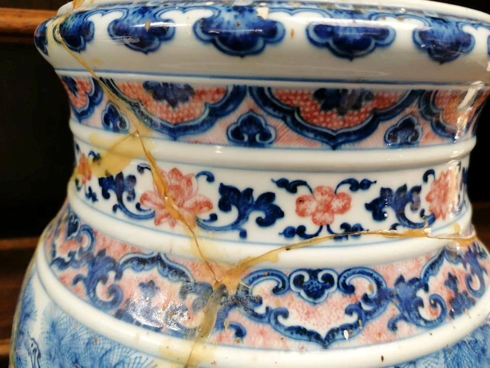In good condition the large Chinese lantern vase would have fetched £700,000 at auction. (SWNS)