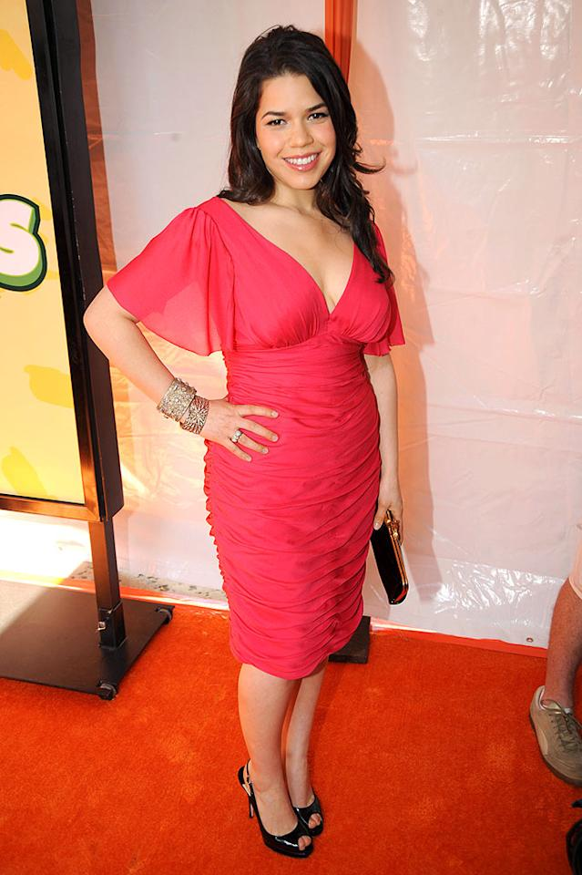 "Unfortunately, America Ferrera's pink chiffon dress made her look more like a mom than the hot young star that she is! Jeff Kravitz/<a href=""http://filmmagic.com/"" target=""new"">FilmMagic.com</a> - March 28, 2009"